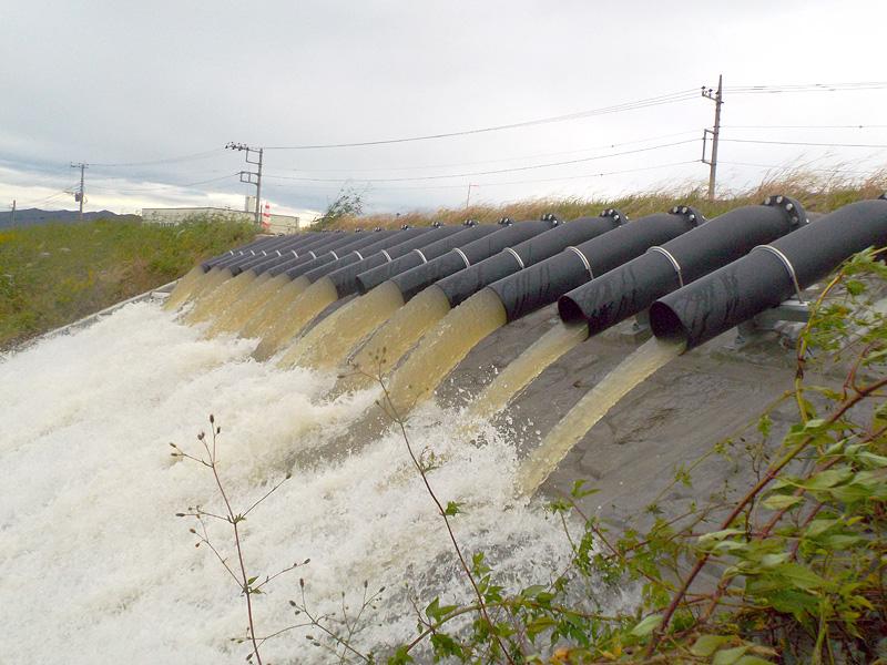 27年の水害を教訓に、29年6月に増設された水中ポンプによる排水