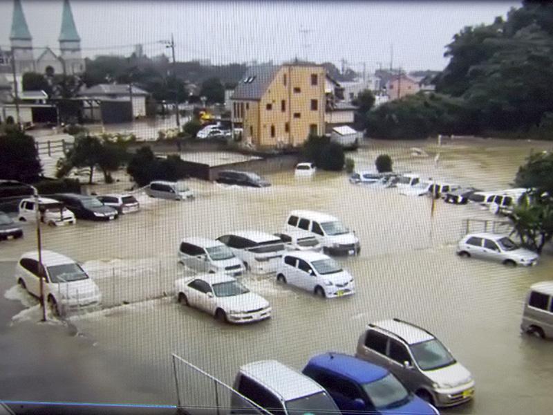 小山市内で水没した車輌